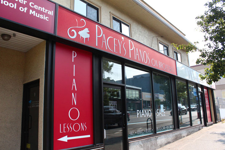 Pacey's Pianos on Broadway selling Bluthner German pianos
